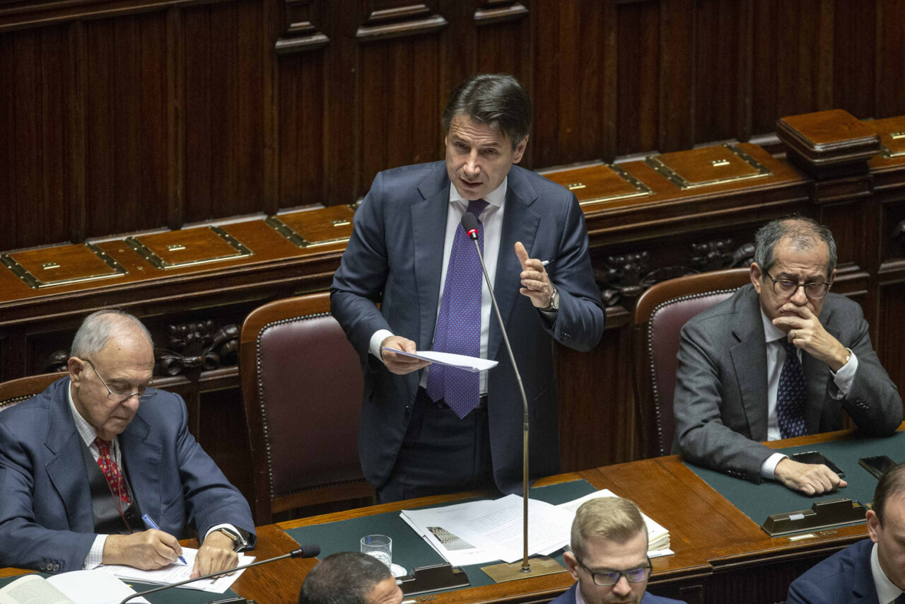 Pensioni 2019, ultim'ora: destino incerto per donne, quota 41: si dimette Conte