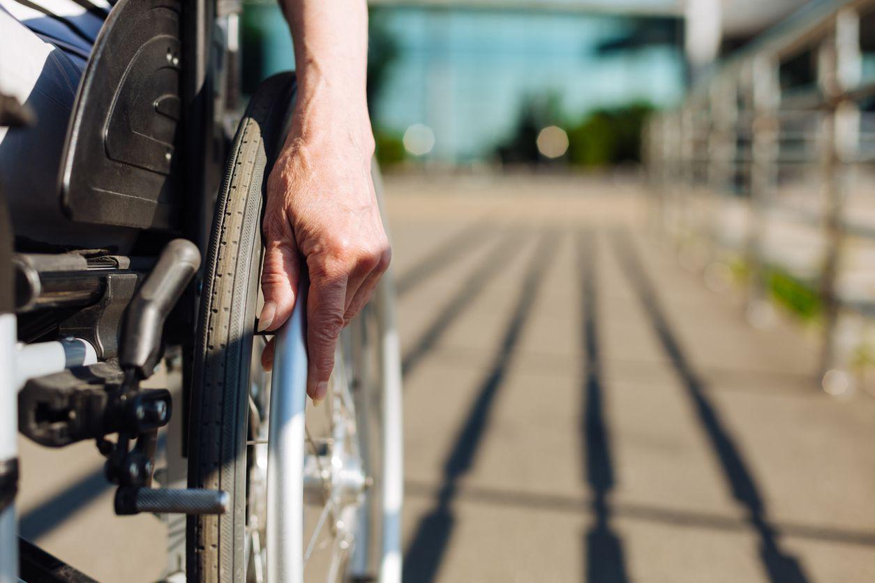 Pensione di invalidità, fuori dall'aumento anche chi ha il 100%?